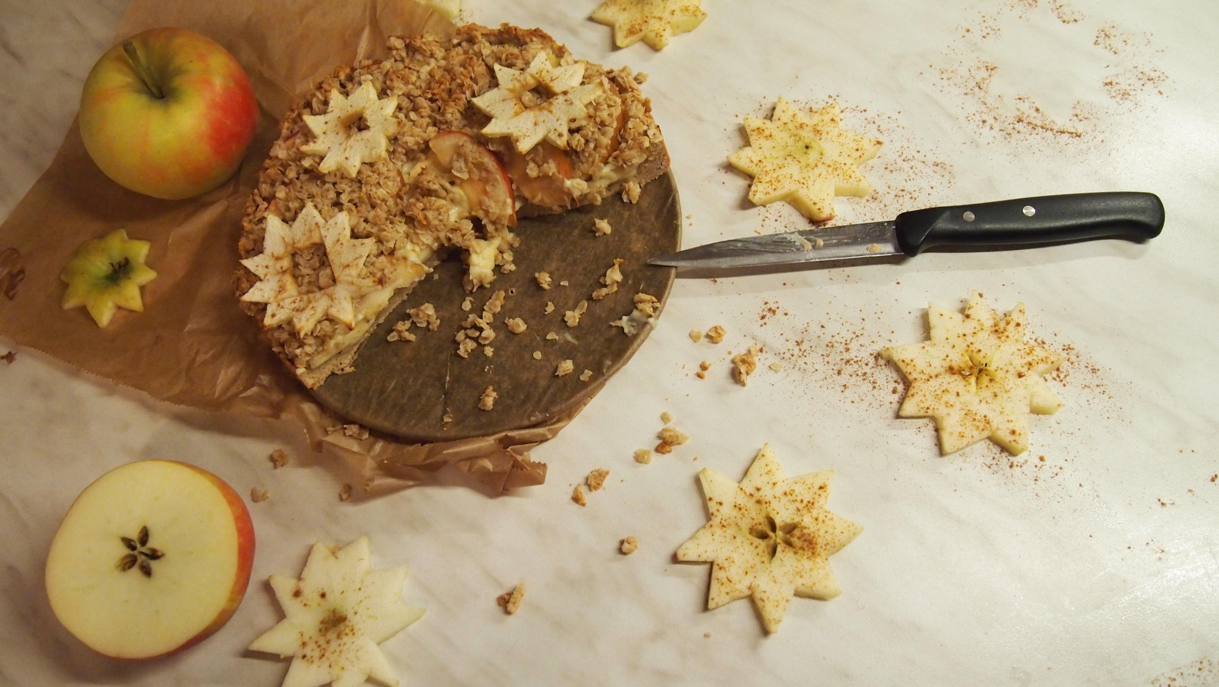 Gesunder Apfelkuchen mit Haferflockenstreuseln