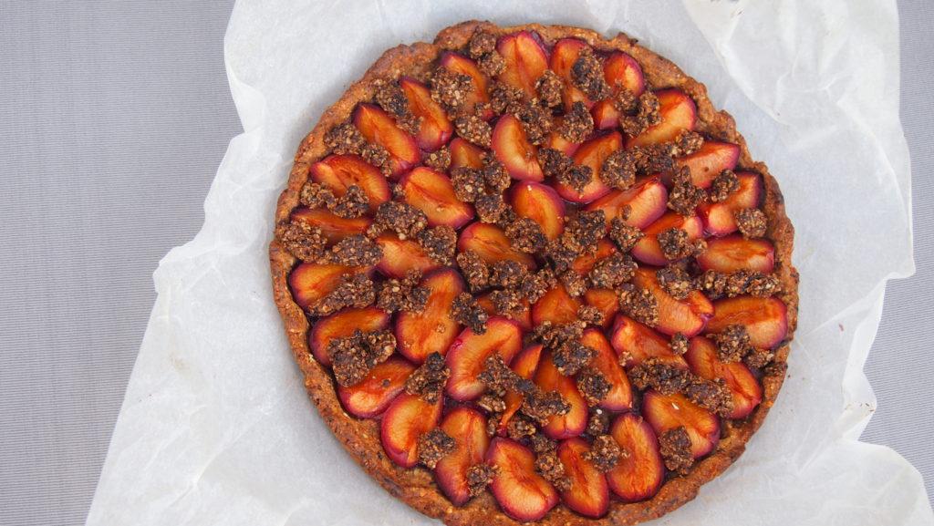 Gesunder Pflaumenkuchen mit Streuseln ohne Zucker