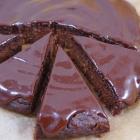 Gesunder Schokoladen Erdnuss Kuchen (vegan)