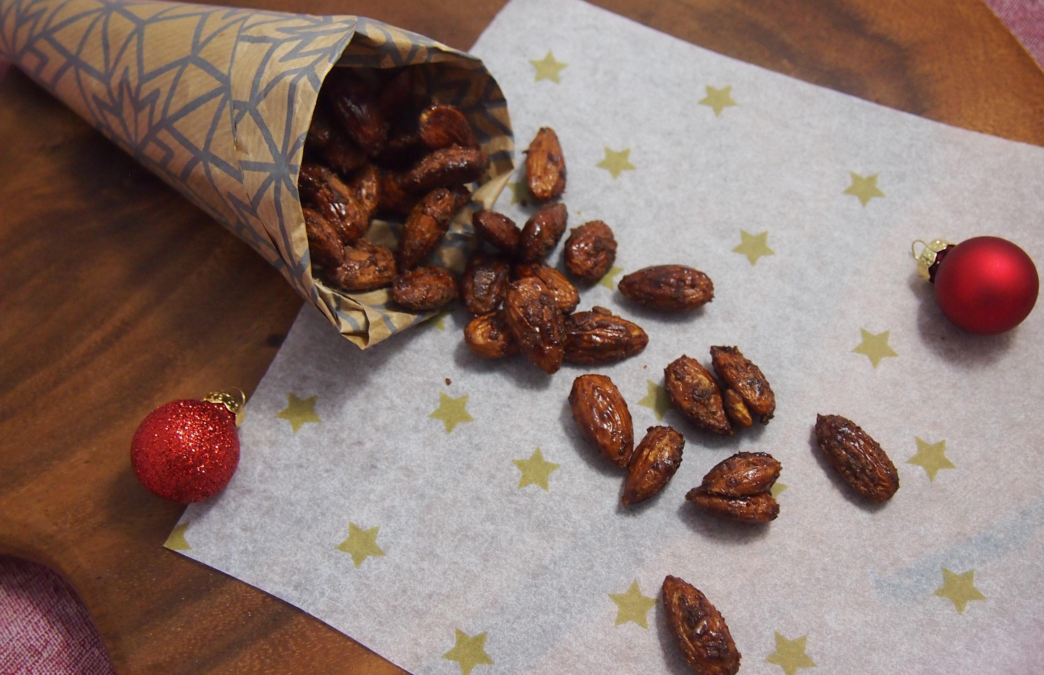 Gebrannte Mandeln ohne raffinierten Zucker mit Kokosblütenzucker