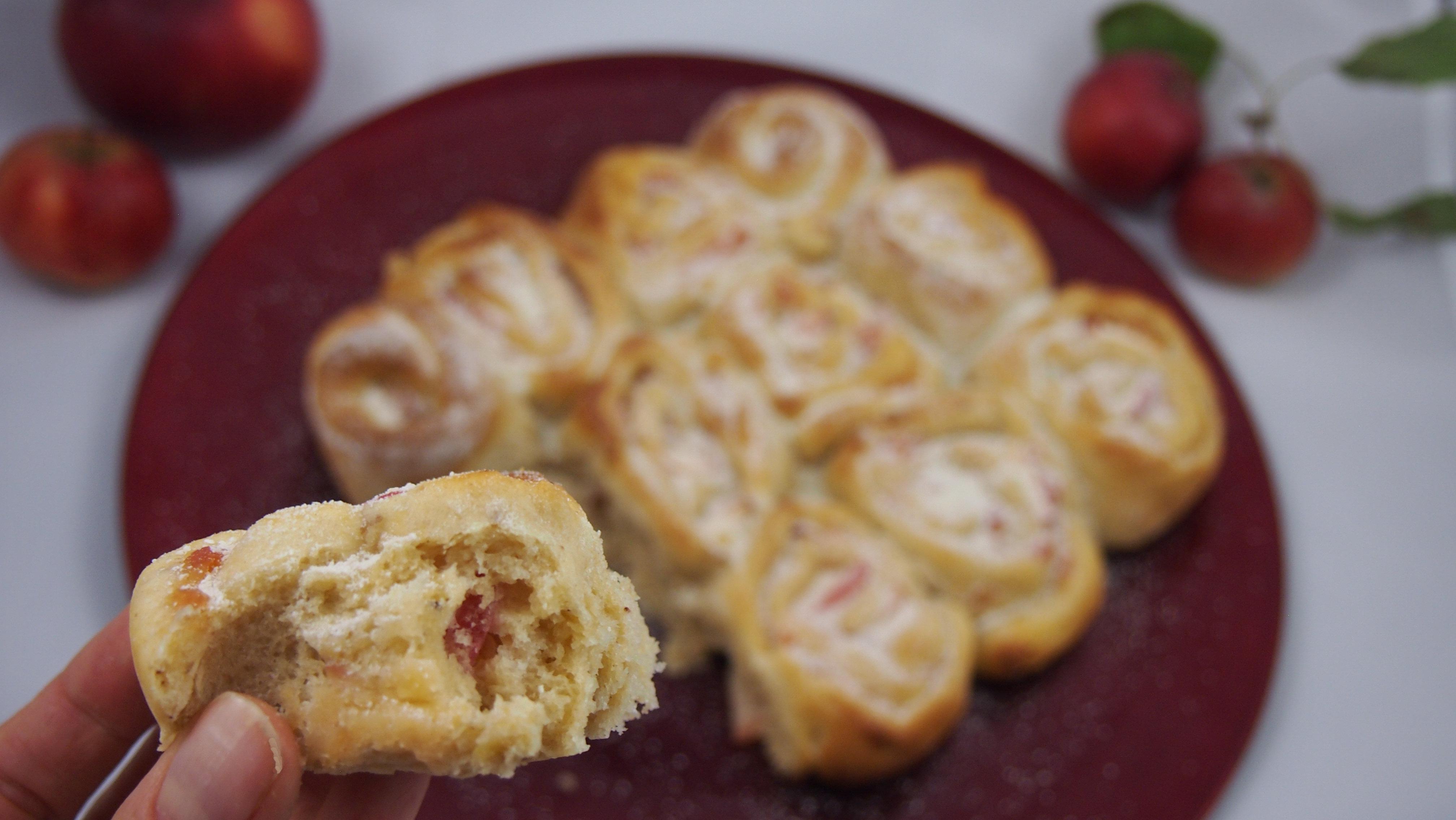 Hefeschnecken mit Apfelpudding ohne raffinierten Zucker