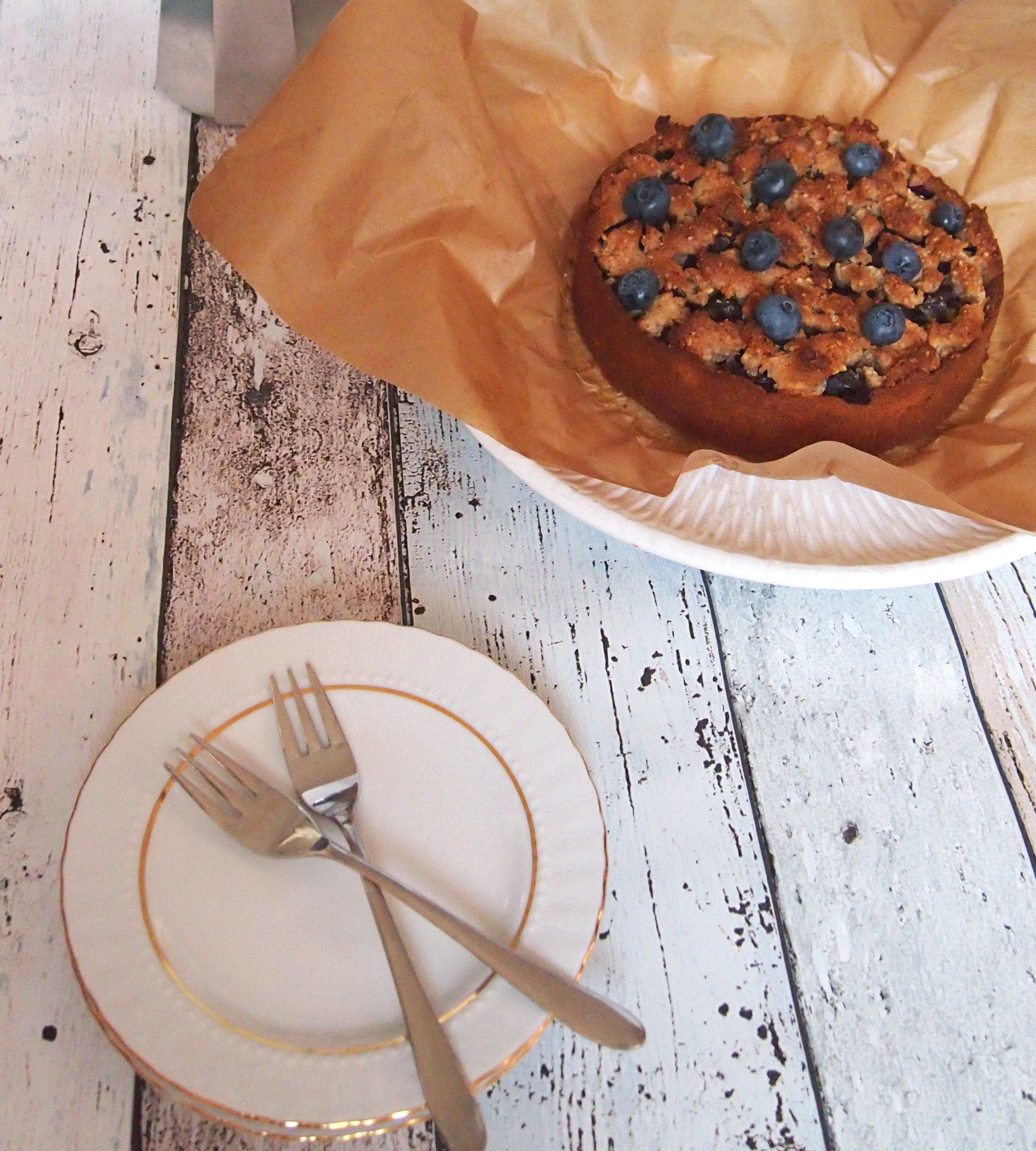 Gesunder Blaubeerkuchen mit Streuseln ohne raffinierten Zucker