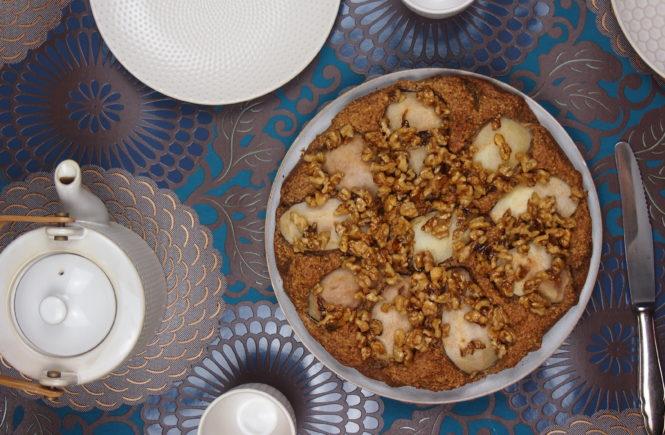 Birnenkuchen mit karamellisierten Walnüssen
