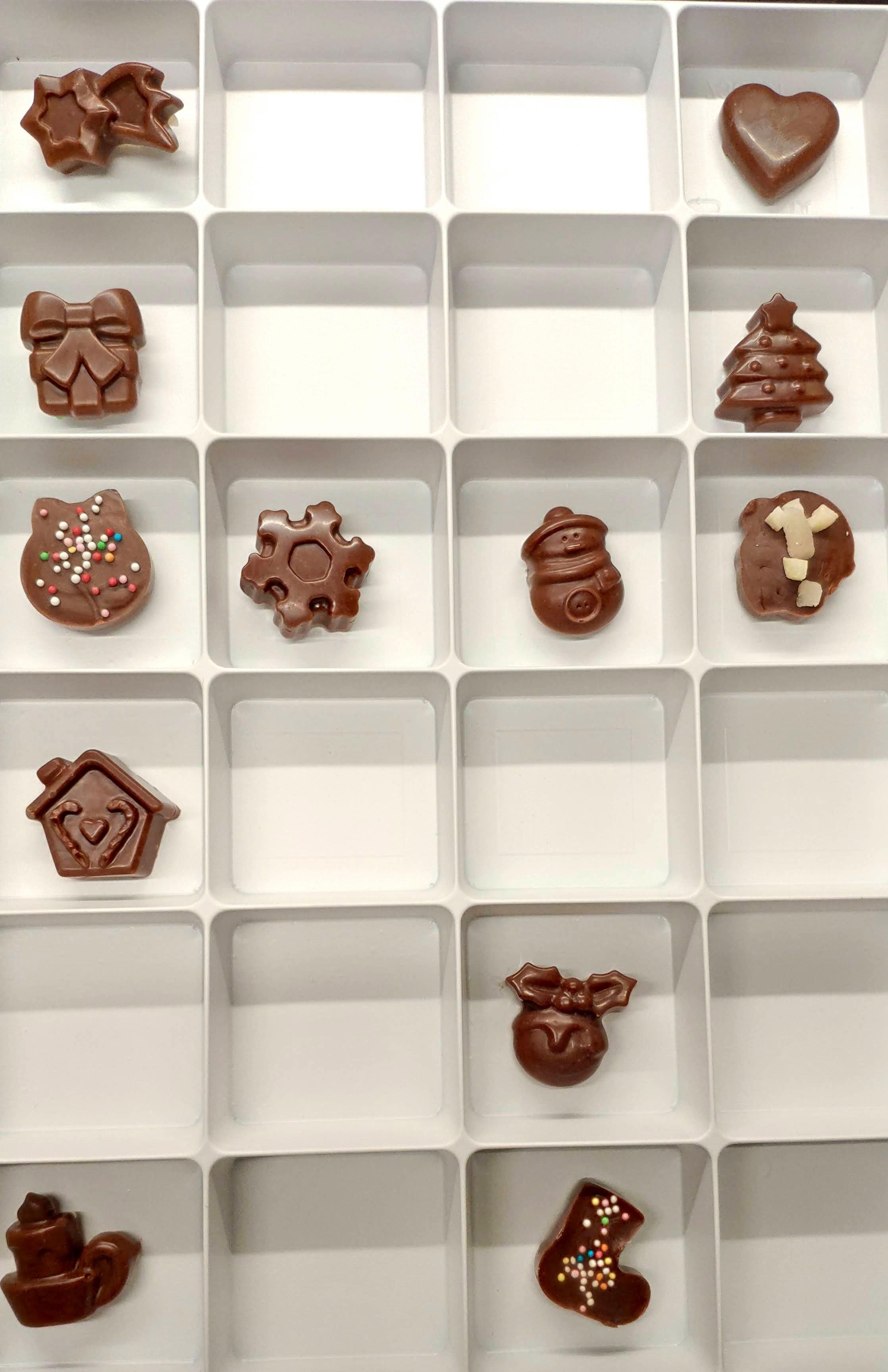 Selbstgemachte zuckerfreie Schokolade
